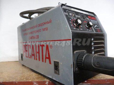 Сварочный инверторный полуавтомат РЕСАНТА САИПА 220 GP90 V2.0